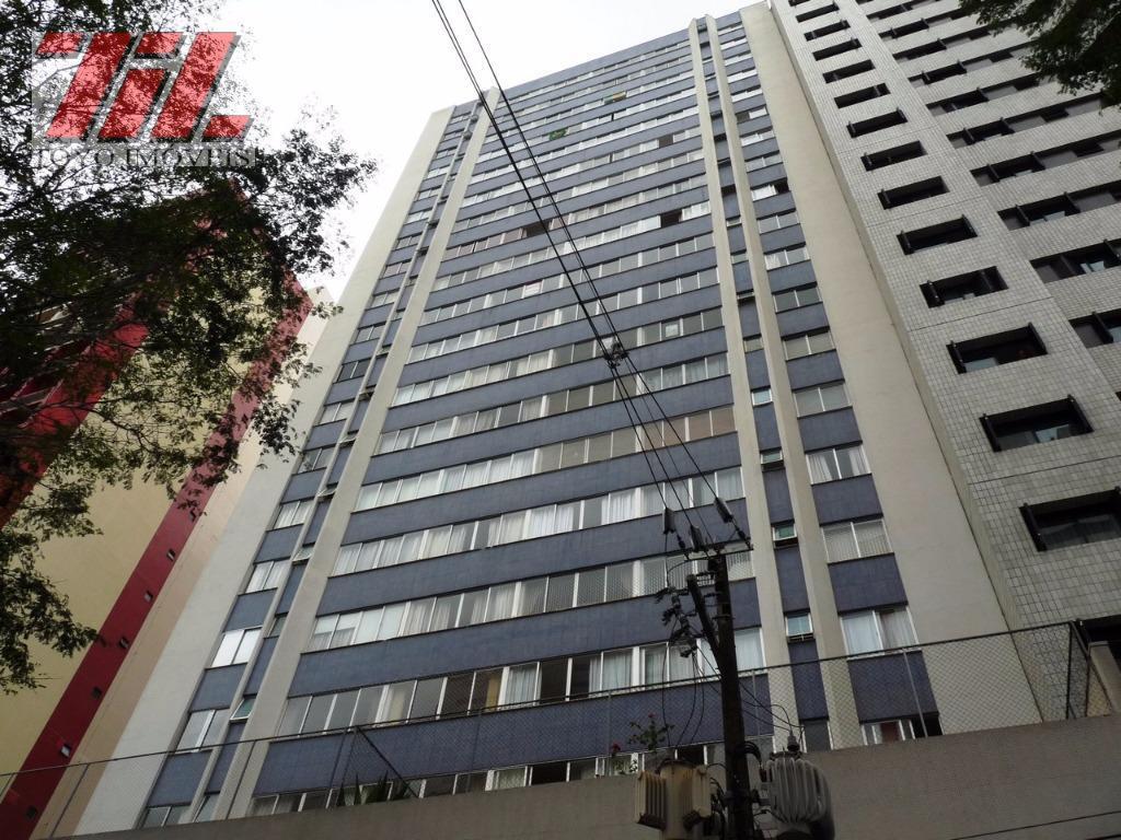 Apartamento residencial para locação, Champagnat, Curitiba.