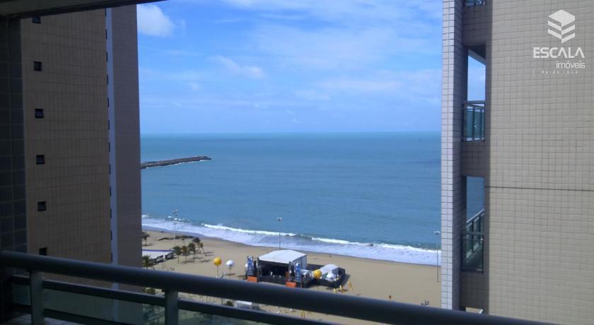 Apartamento à venda no Meireles, vista mar, a 100m do aterro, moveis projetados, 2 quartos, 1 suíte.